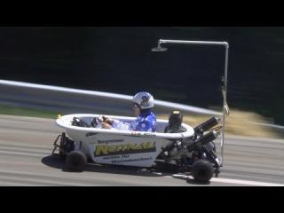 How to drive (drift) a bathtub on a Hillclimb Race! Hannes Roth: The life is too short to be 0815!