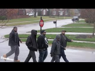 Linkin Bridge: Tough guys bring the HOOD TO THE ''BURBS AT CHRISTMAS -  PRANK!